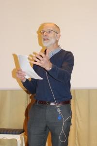 En engasjert Dagfinn Haarr med fremføring om siste nytt om syntetiske cannabinoider.