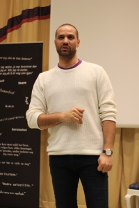 Marco Elsafadi fokuserte på relasjonsbygging i sitt foredrag.