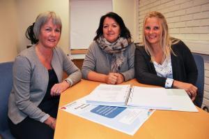 Karin Tuvmarken, Aase Lidal og Kari Christensen skal samarbeide tett i hasjavvenningskurset i Stjørdal kommune. (Foto: Lars Sørnes)